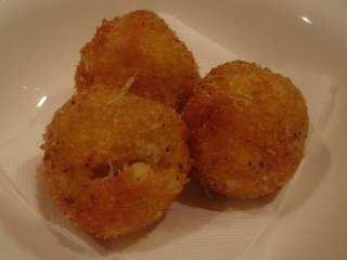 Pržene kuglice od pire krompira