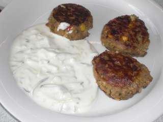 Juneće ćufte u sosu od kiselog mleka i belog luka