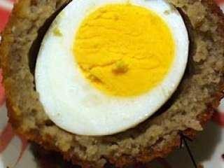 Rolat od mlevenog mesa sa jajima