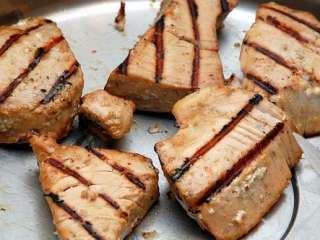 Aromatična tunjevina sa roštilja