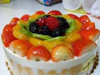 Šarlota sa mešanim voćem