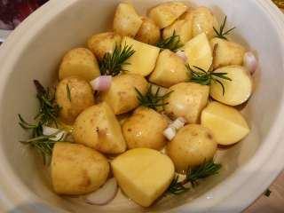 Mladi krompir sa ruzmarinom
