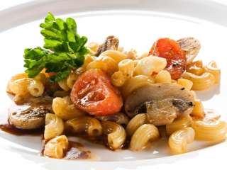 Makarone sa pečurkama i paradajizom