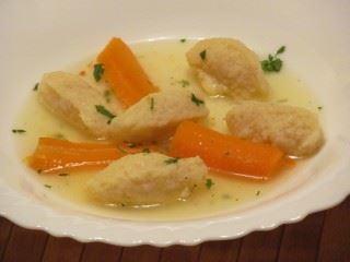 Pileća supa sa knedlama