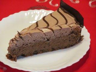 Čokoladna torta punjena sa šlagom